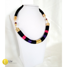 Fekete, magenta, lila színű, egyedi, kézműves, designer nyaklánc - Liv Ékszerek, ékszer
