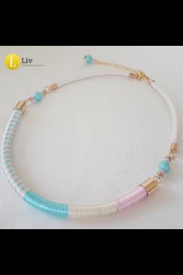 Pasztell türkiz,  rózsaszín , fehér egyedi kézműves nyaklánc