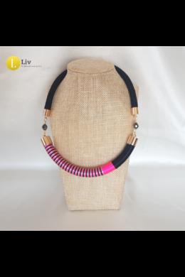 Fekete, neon rózsaszín, szürke, egyedi kézműves nyaklánc