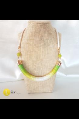 Világoszöld, fehér, egyedi, kézműves pamut nyaklánc