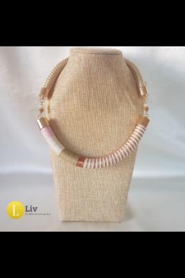 Pasztell rózsaszín, bézs, törtfehér, réz, egyedi kézműves pamut nyaklánc