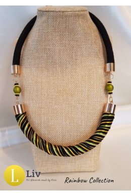 Fekete, oliva, sárga csíkos, kézműves nyaklánc