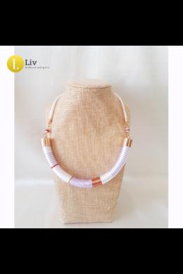 Fehér, lila, piros,egyedi, kézműves design nyaklánc