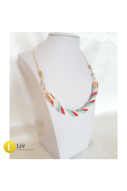 Türkiz zöld, piros, fehér, egyedi kézműves, vékony csavart pamut nyaklánc .